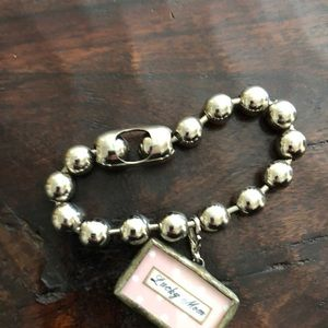 unknown Jewelry - Beaded bracelet with mom charm